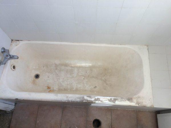 הלבשת אמבטיה בתל אביב - לפני